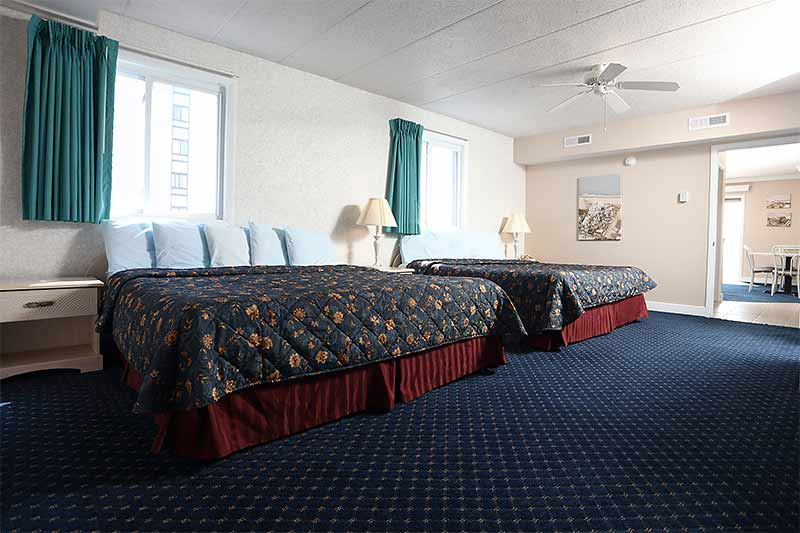 2 Room Suites Adventurer Oceanfront Inn